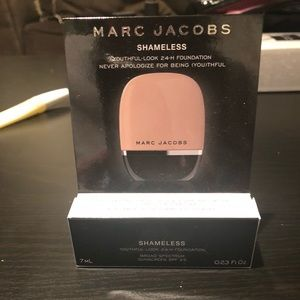 Marc Jacobs Foundation Deluxe Sample